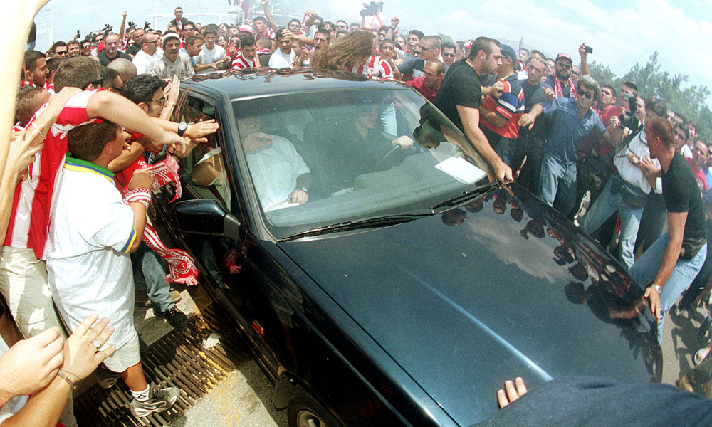16/7/1999: Ο «μάγος» Τζιοβάνι στην Ελλάδα για τον Ολυμπιακό! (vid+pics) -  Fosonline